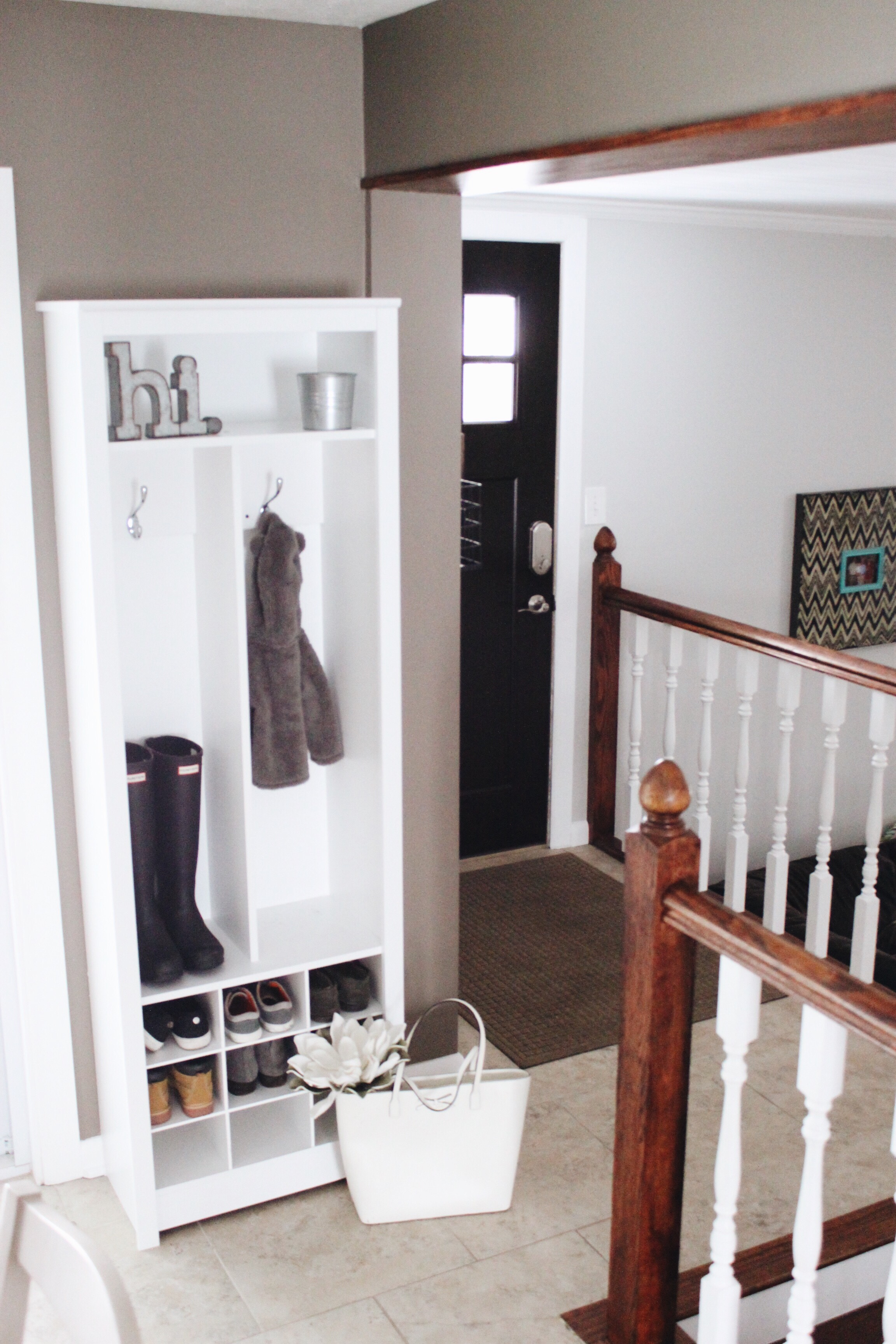 Small Entryway Organizer